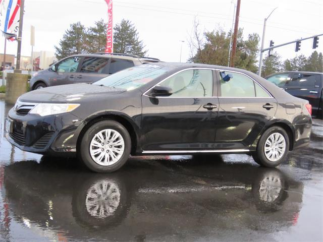 Toyota Camry LE 2012