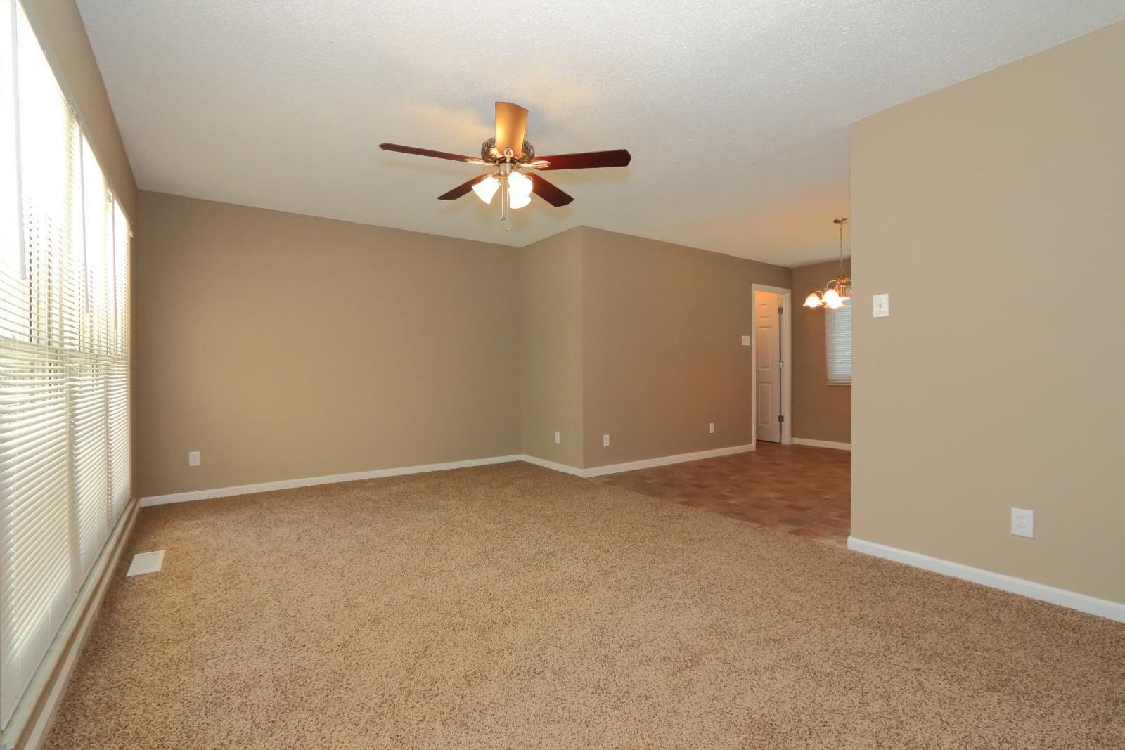 $1185 Three bedroom Apartment for rent