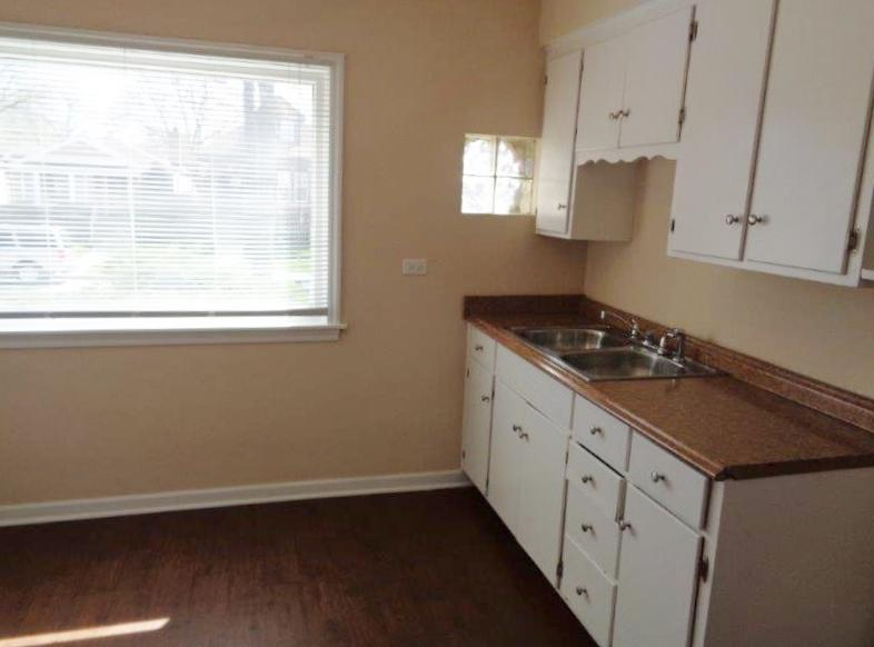 $1221 Three bedroom Apartment for rent
