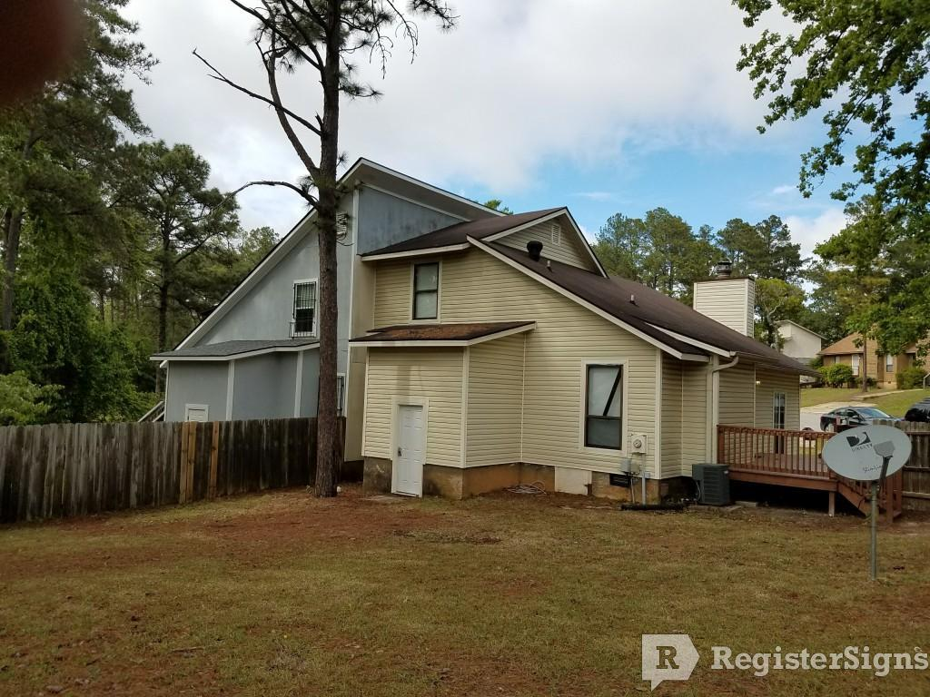 $850 Three bedroom Townhouse for rent