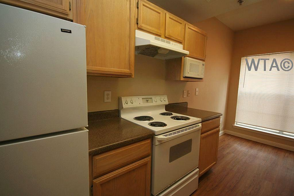 $1505 Three bedroom Apartment for rent