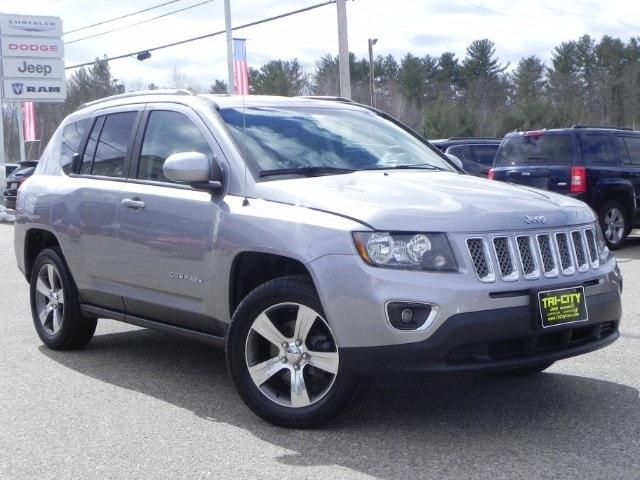 Jeep Compass High Altitude Edition 4X4  4 CYL. / Leather / Moon 2016
