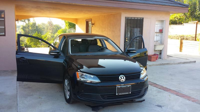 Broken Windshield or Window Car ??