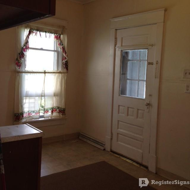 $550 Three bedroom Townhouse for rent