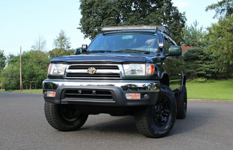 4X4 2000 Toyota 4Runner SR5