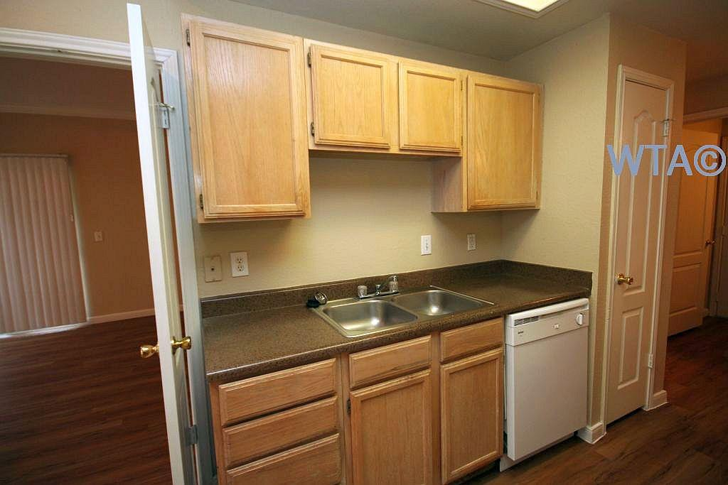 $1280 Two bedroom Townhouse for rent