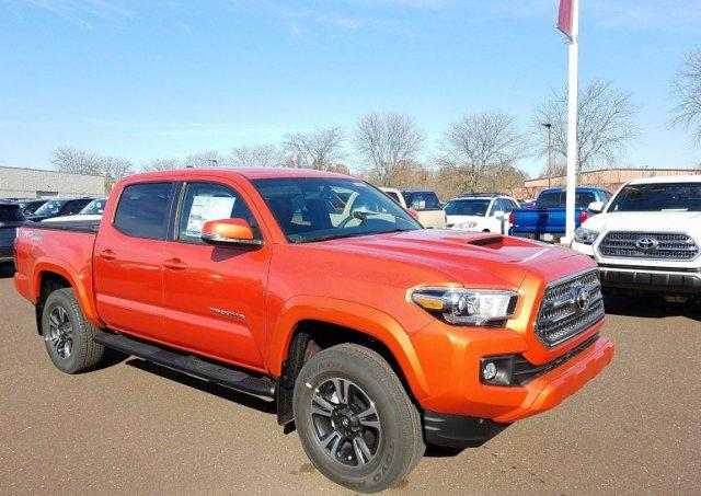 Toyota Tacoma TRD Sport Double Cab 5' Bed V6 4x4 AT 4WD 2017