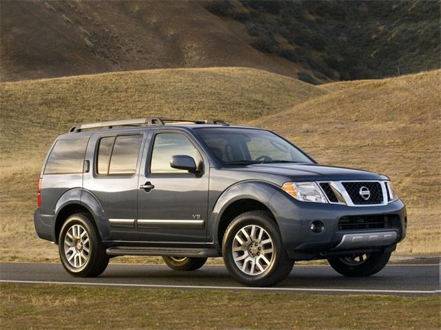 Nissan Pathfinder SV 2012
