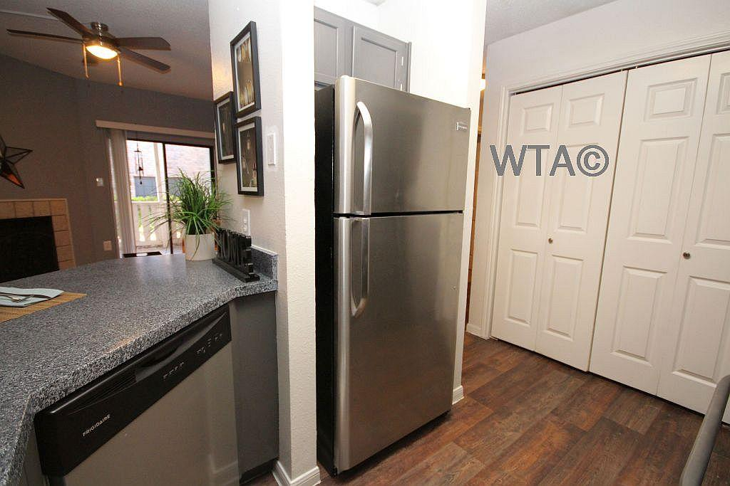 $1290 Two bedroom Townhouse for rent