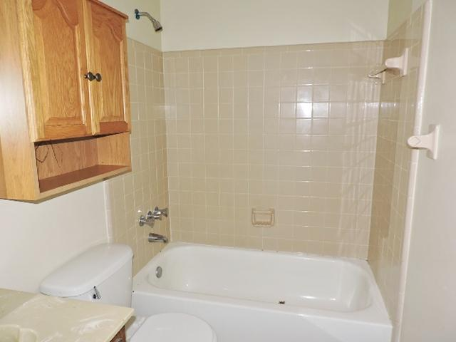 $1025 Three bedroom Apartment for rent