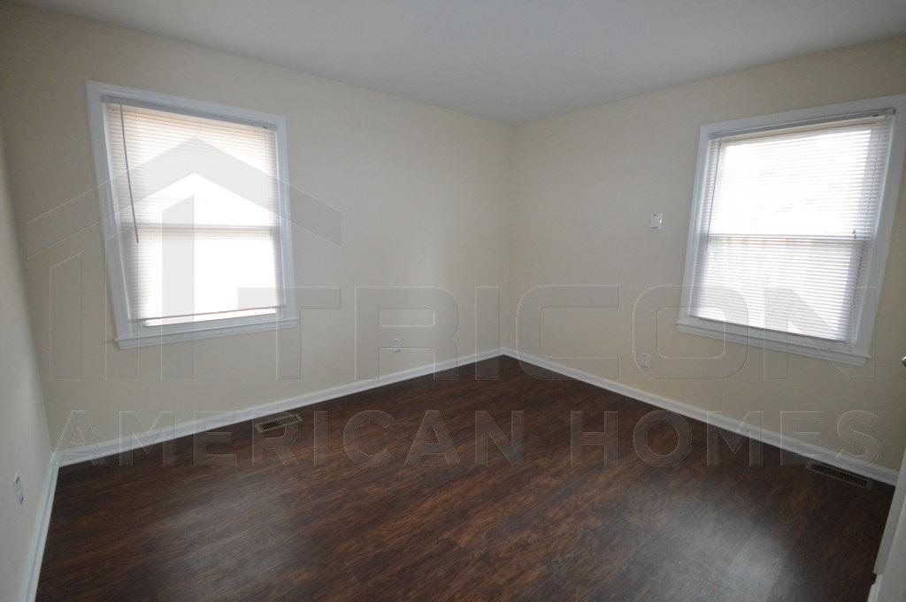 $900 Three bedroom Apartment for rent