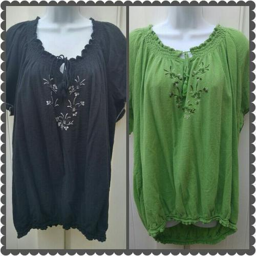 LOT OF 2 WOMENS PLUS SIZE SUMMER TOPS SIZE 3X