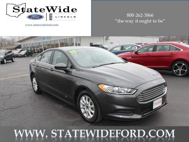 Ford Fusion S 2015