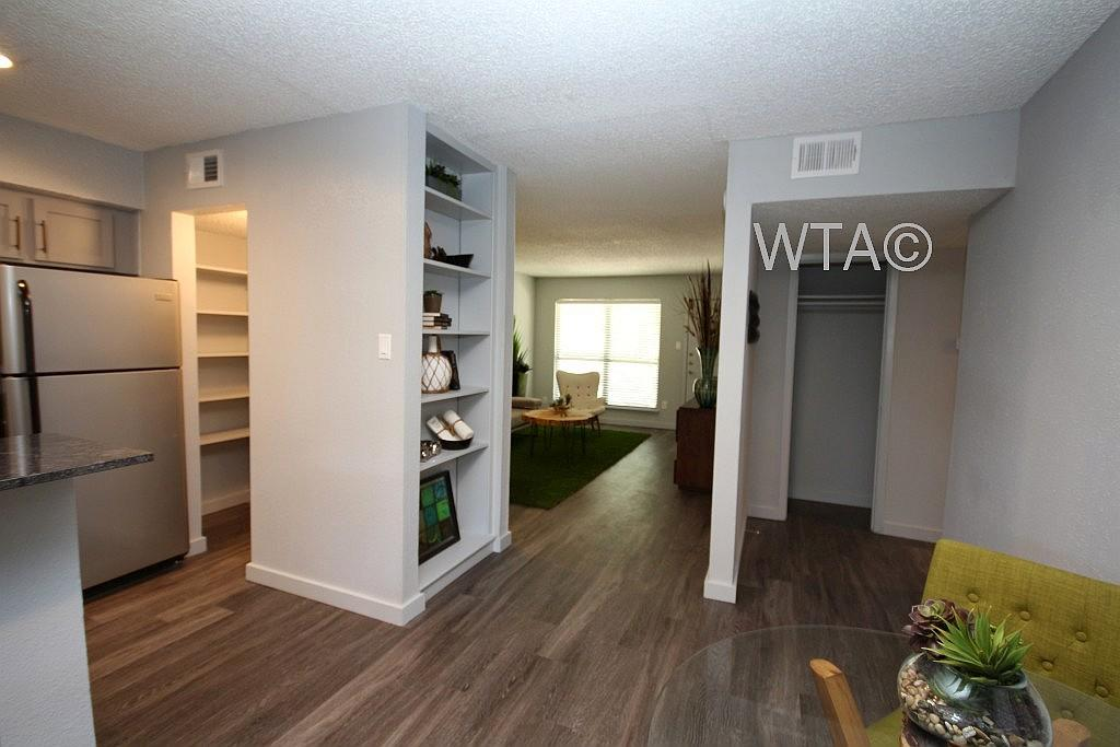 $1114 Two bedroom Apartment for rent