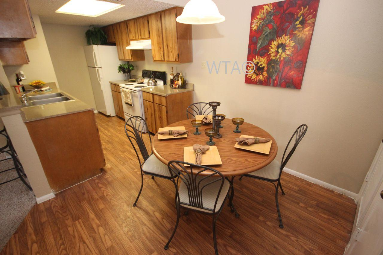$900 Two bedroom Apartment for rent