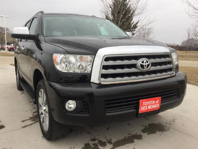 Toyota Sequoia Limited 5.7L 4WD 2016