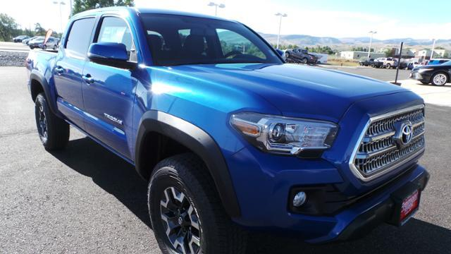 Toyota Tacoma TRD Off Road Double Cab 5 Bed V6 4 2017