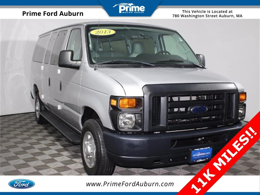 Ford Econoline Wagon XL 2013