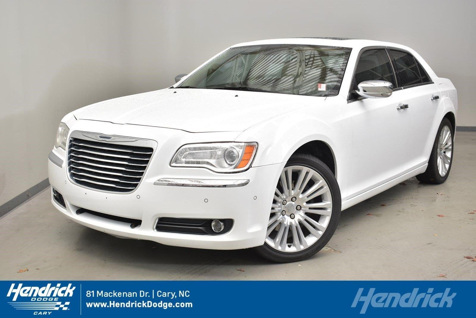 Chrysler 300 Base 2011
