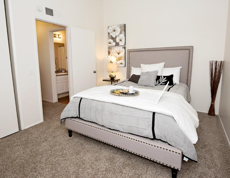$3815 Three bedroom Apartment for rent