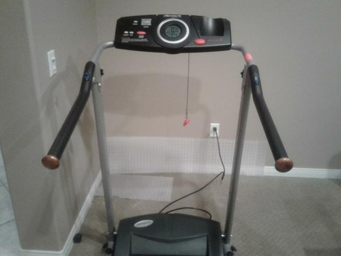 TREADMILL excellent running condition