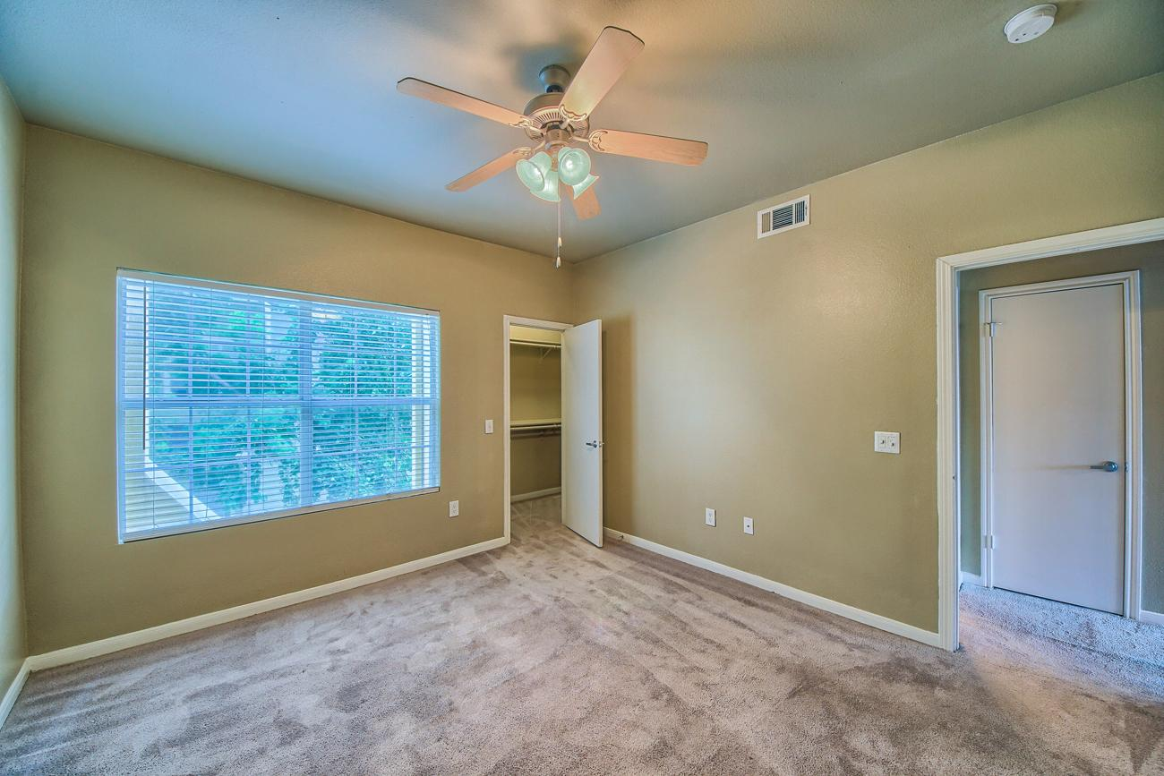 $2010 Two bedroom Apartment for rent