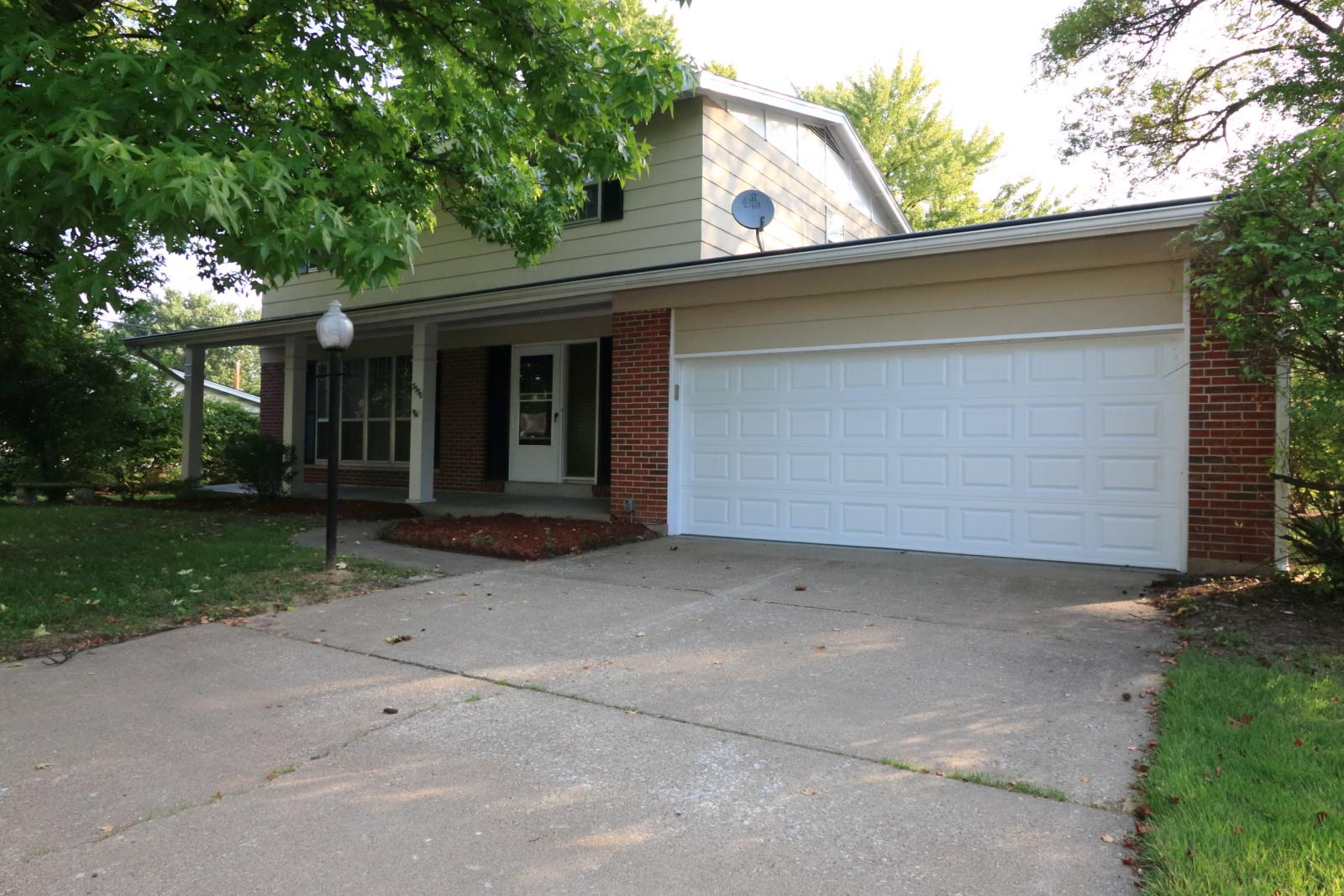 $1700 Four bedroom Apartment for rent