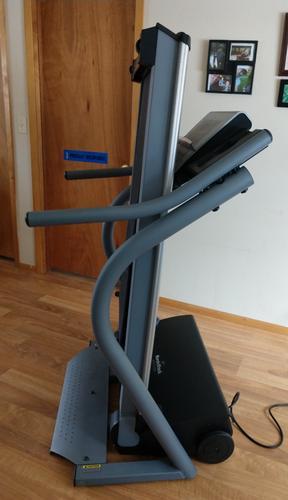 PennySaver   NordicTrack APEX 4100i Treadmill-Excellent Condition