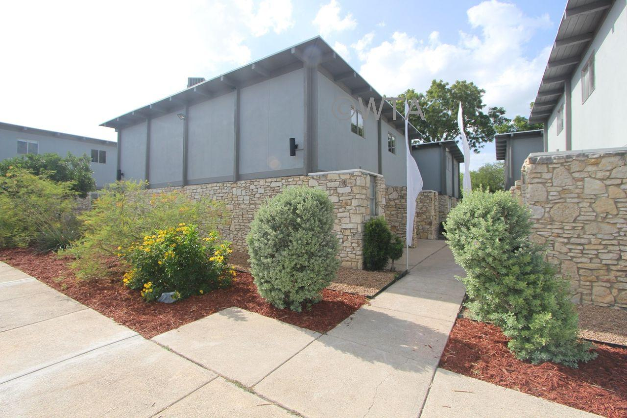 $1150 Two bedroom Townhouse for rent