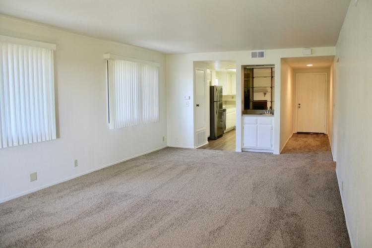 SECURE 2B/2B Condo with lots of amenities, new to the rental market!