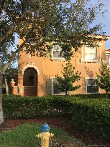 3/2.5 Townhouse for Rent in Pembroke Pines