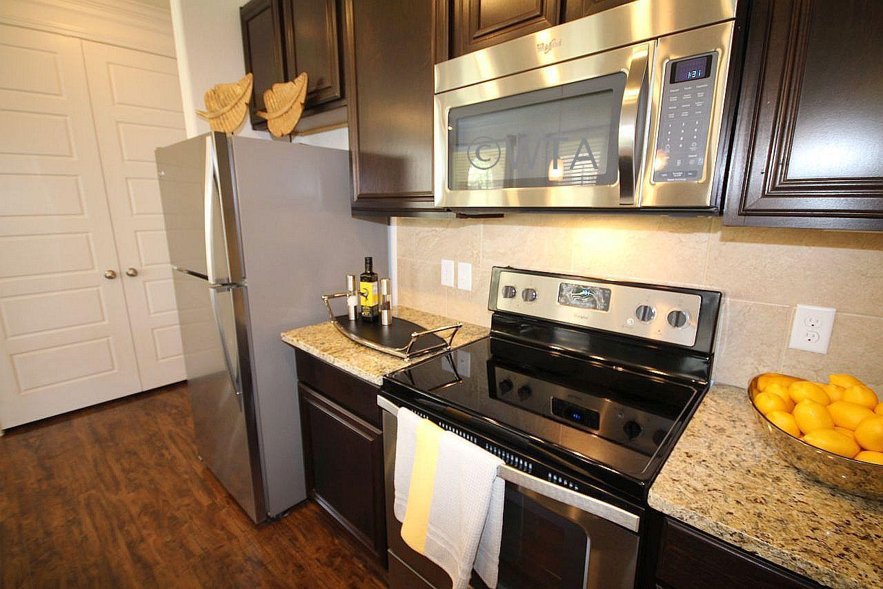 $2523 Three bedroom Apartment for rent