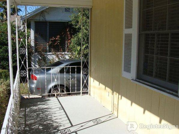 $950 Two bedroom House for rent