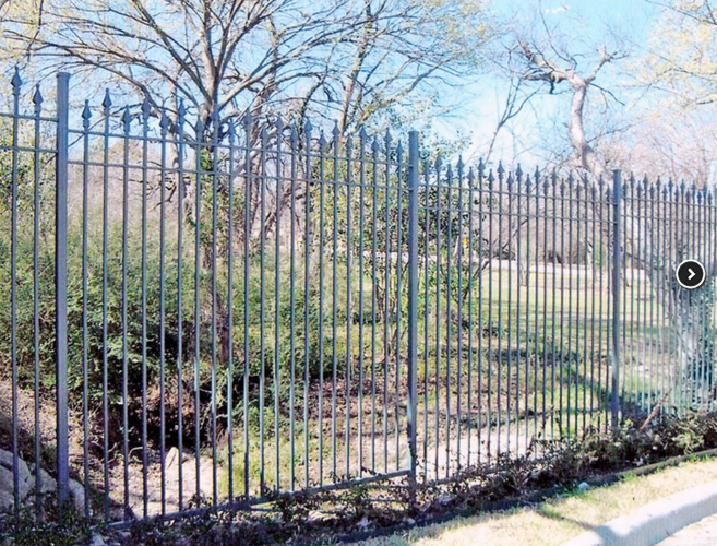 Fencing Contractors in Dallas