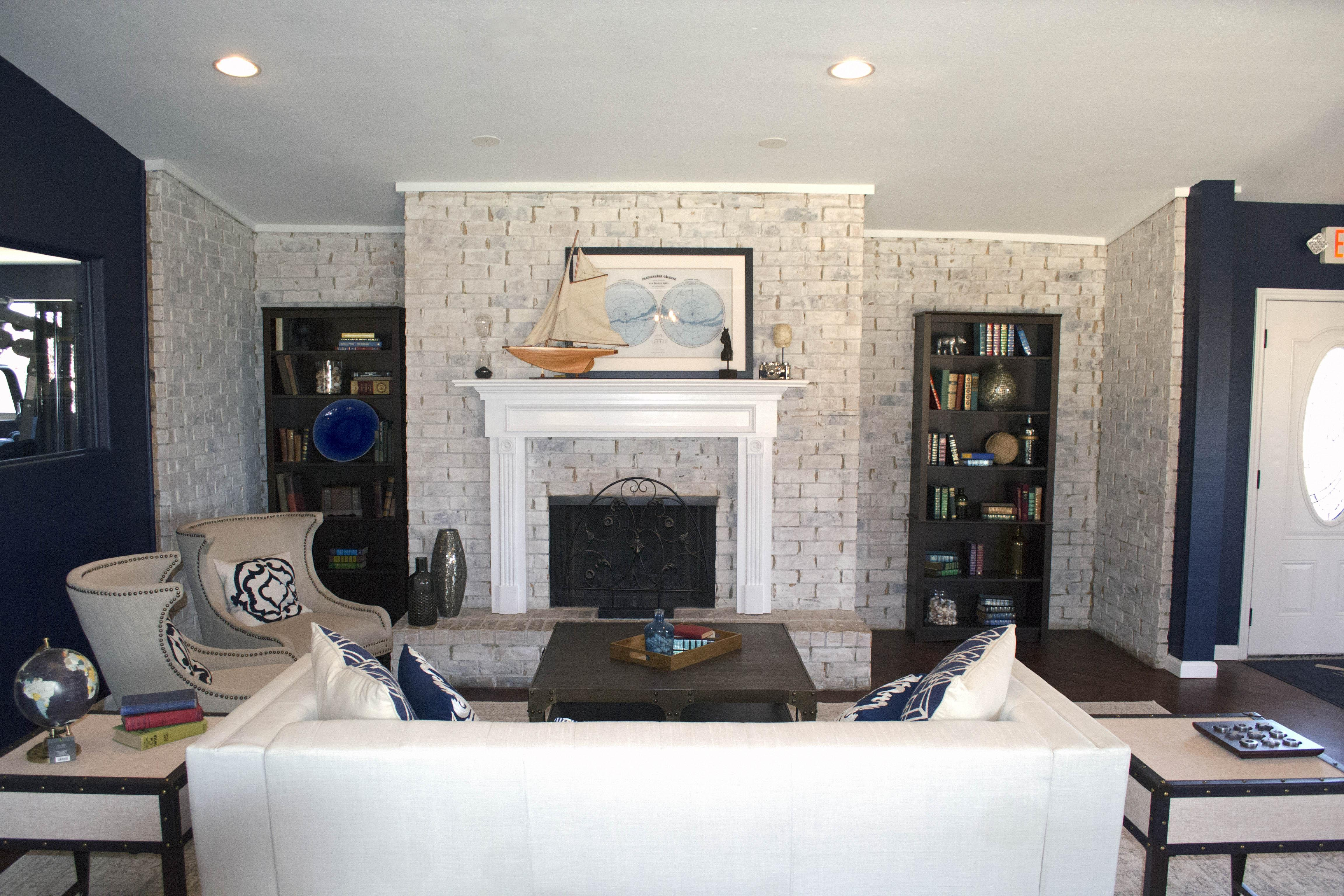 $1965 Three bedroom Apartment for rent