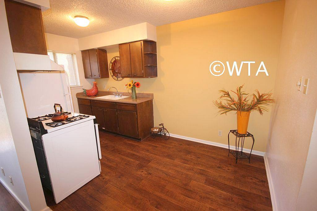 $569 One bedroom Townhouse for rent