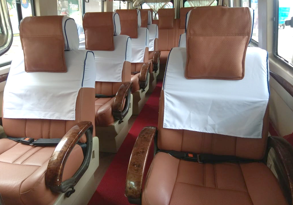 online hire 12 seater luxury tempo traveller for outstation