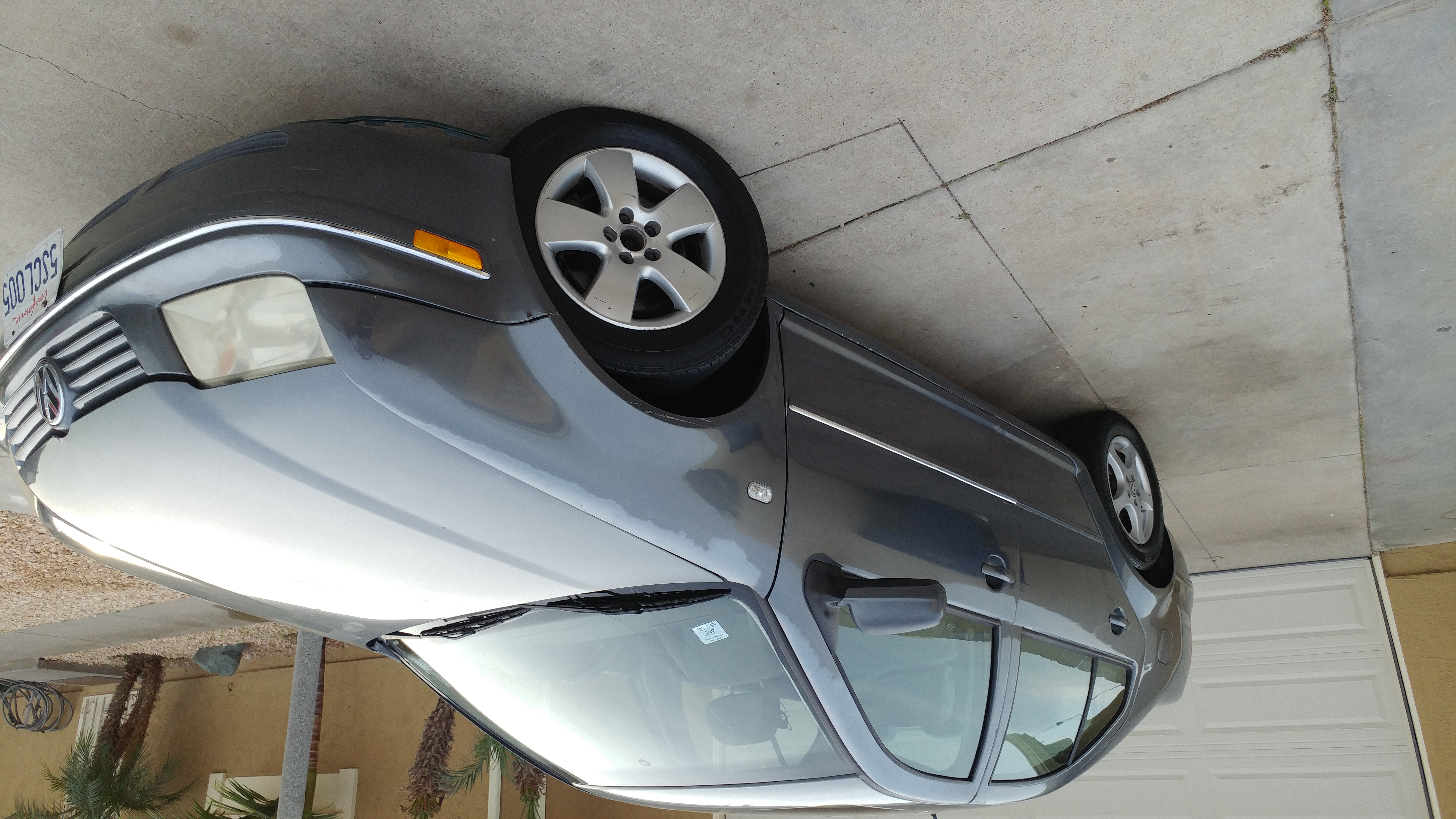 Good 2004 VW Jetta Priced to sell.