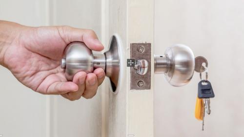 Locksmith Available 24 7