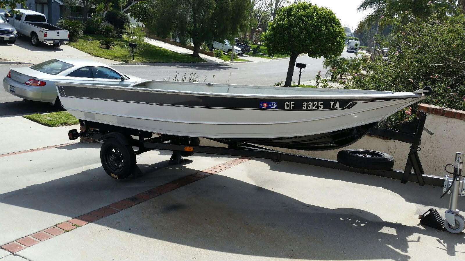 Aluminum Boat with Motor and Trailer, Excellent Condition!