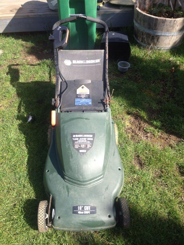 Black and Decker Electric MM850 Mower