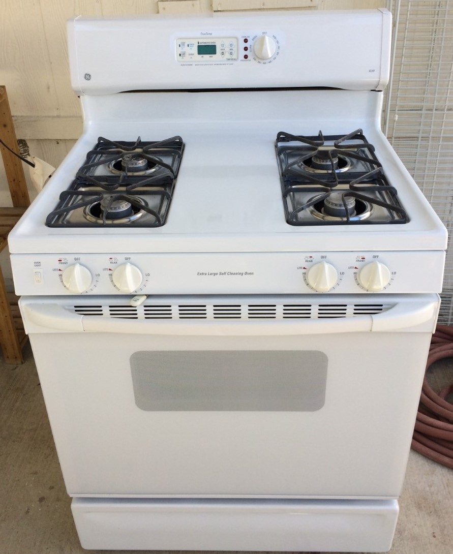 "General Electric (GE) TRUE TEMP Self Cleaing Oven ""XL44"" White Excellent!"