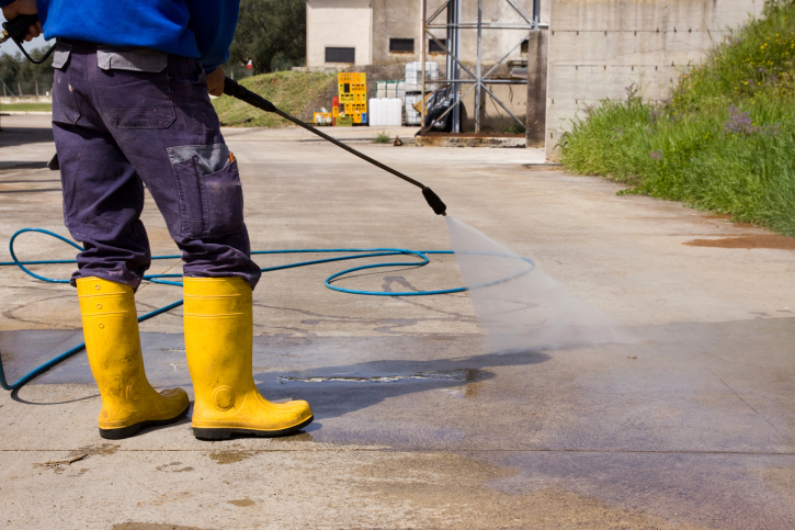 D and R Pressure Washing