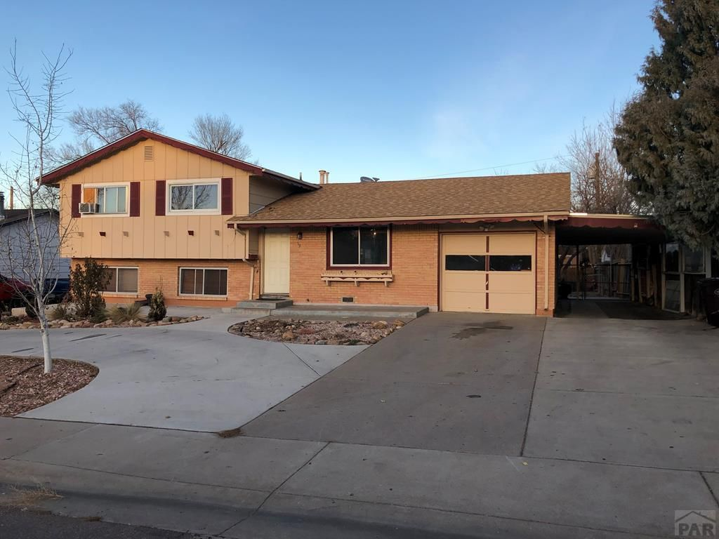 Fantastic family 3 beds 3 baths home !!
