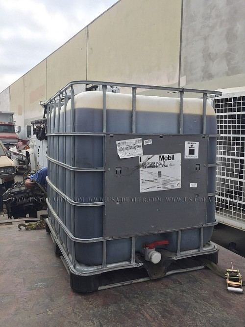 300 GALLON MOBILE PEGASUS SAE 15W-40 OIL
