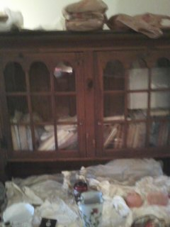 SELLING ETHAN ALLEN GLASS HUTCH CABINET/BOOKCASE.