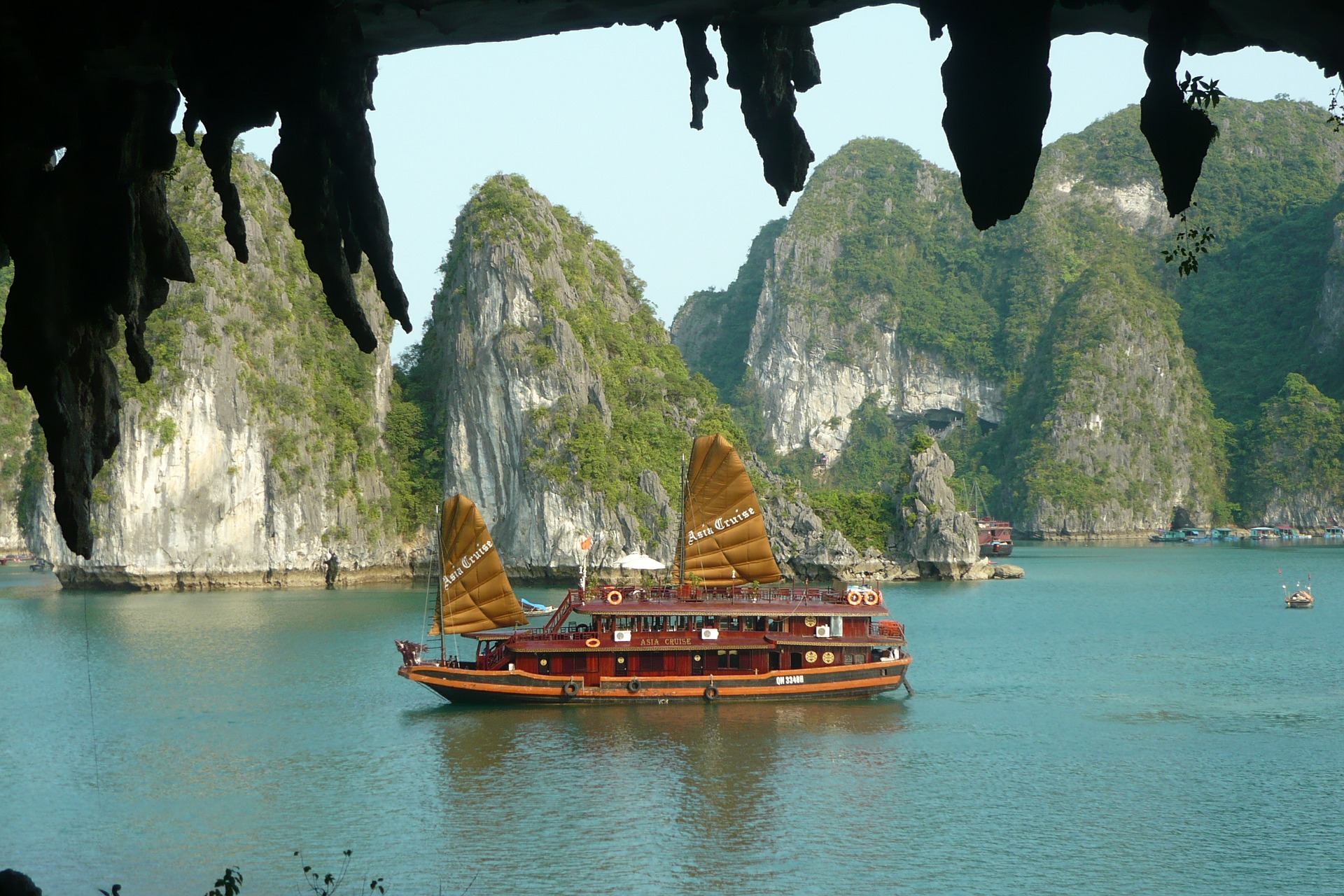 Halong Bay Cruise Packages | Halong Bay Tour Packages