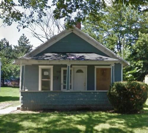 2 bedroom 1 bath fixer upper house in Lansing Michigan!