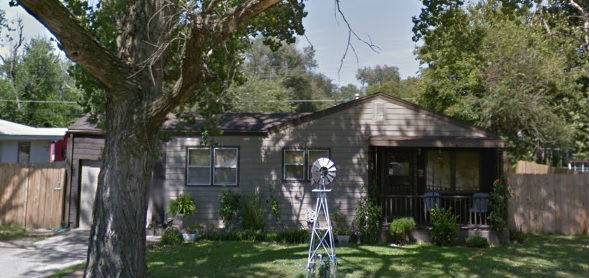 2 bedroom 1 bath fixer upper house in Wichita Kansas!