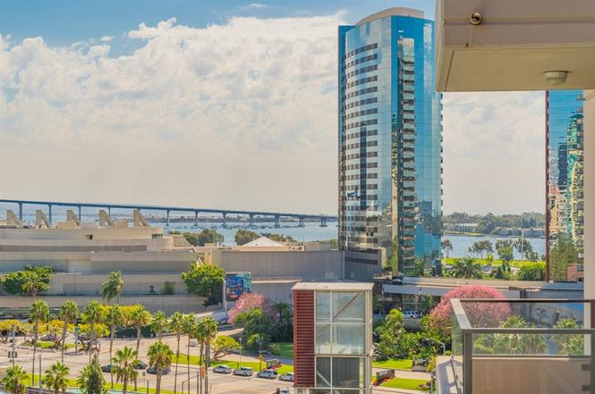 San Diego Marina Views! (1 bed 1 bath)